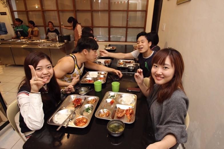 A&J韓国人と食事