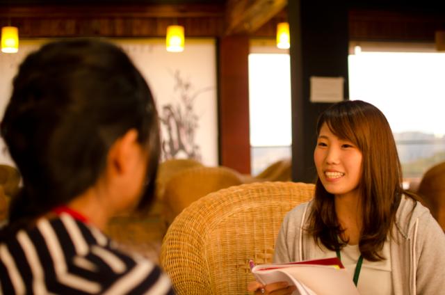 フィリピン留学インタービューに答えるAIRI