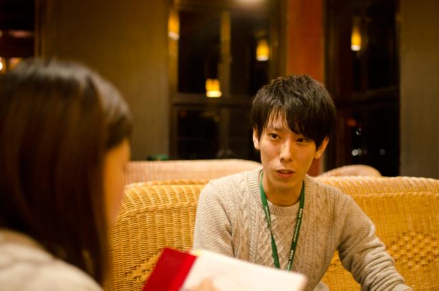フィリピン留学インタビューに答えるNINO
