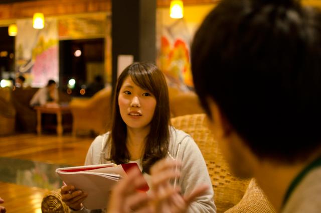 フィリピン留学インタビューに答えるNINO2