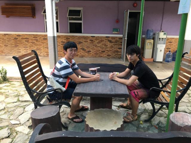 フィリピン留学インタビューを受けるCIPの中島さん