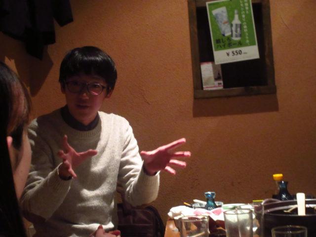 CIPでインタビューする鎌田くん